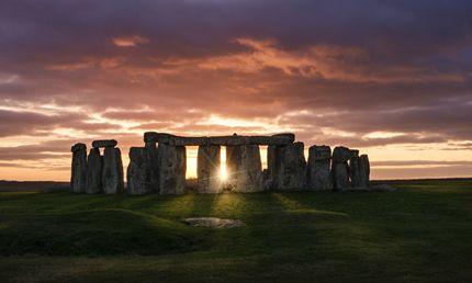 Tramonto dentro il cerchio di Stonehenge