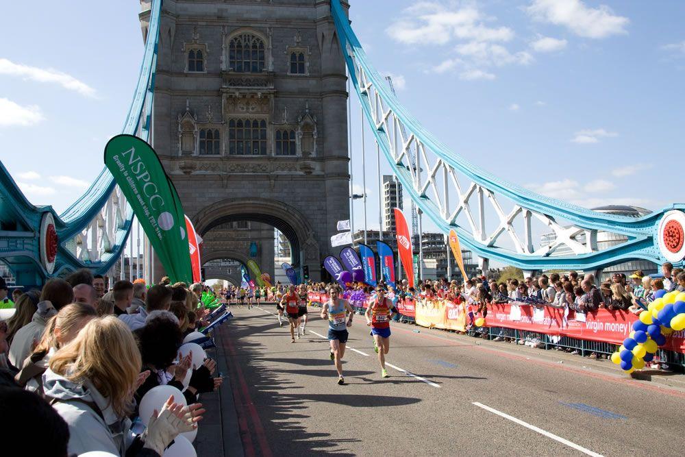 Maratona di londra 2018 il percorso e i campioni in gara for Guide turistiche londra