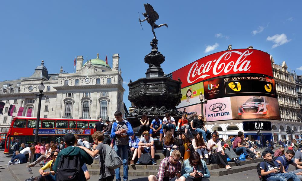 Piccadilly circus l 39 ombellico del mondo a londra qui for Guide turistiche londra