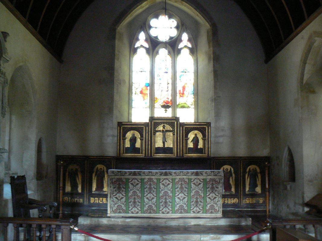 L'interno della piccola chiesa di Avebury