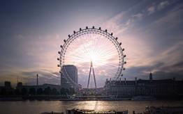 Il London Eye dalla sponda nord del Tamigi