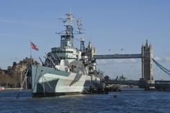 L'HMS Belfast con sullo sfondo il Tower Bridge