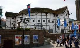 L'esterno del Globe Theatre a Londra, che si affaccia sul Tamigi @ Andrew Bowden