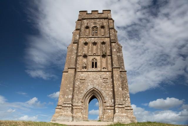 Glastonbury: sulle tracce di Artù e del Sacro Graal